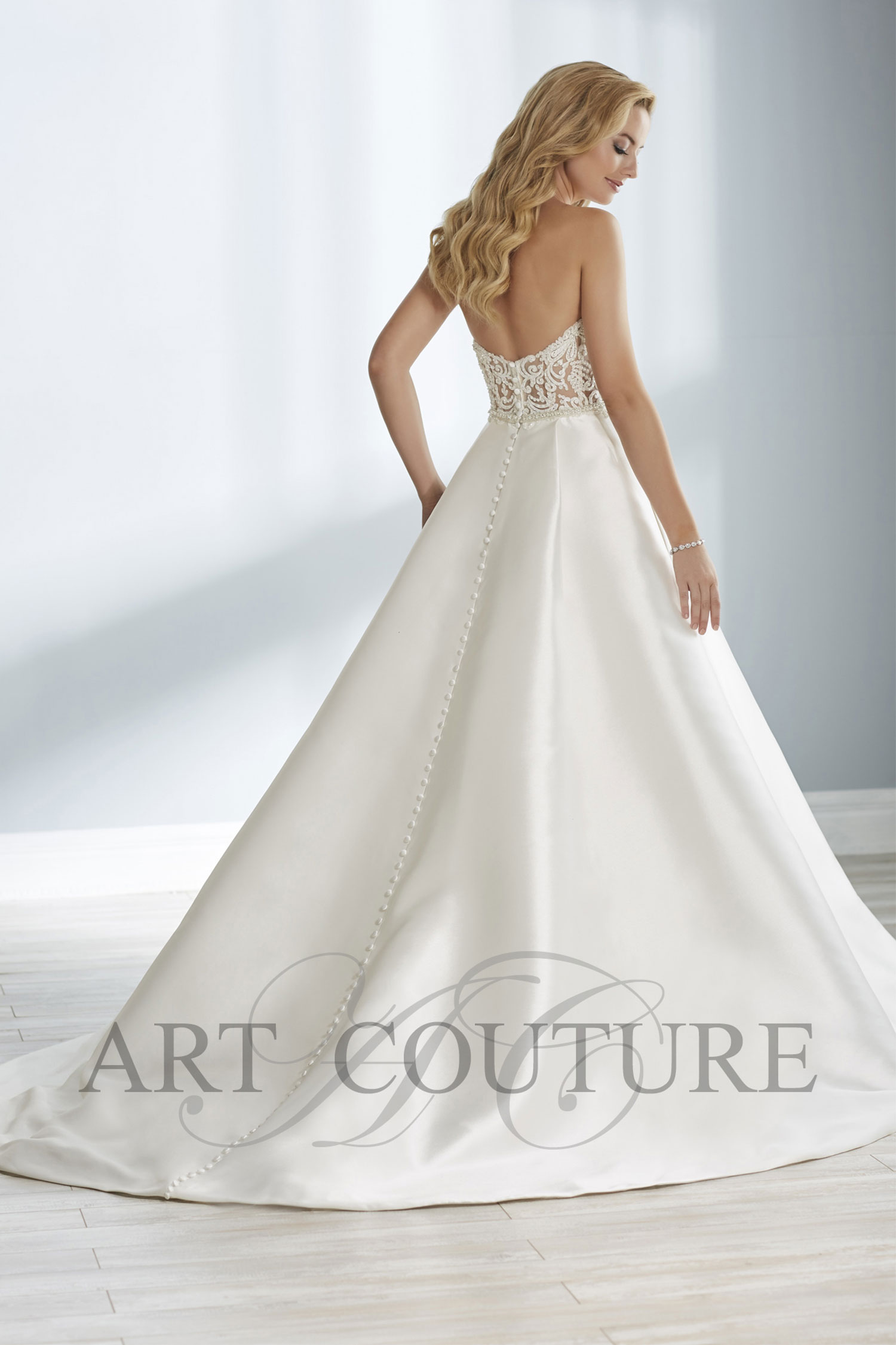 Art Couture AC649
