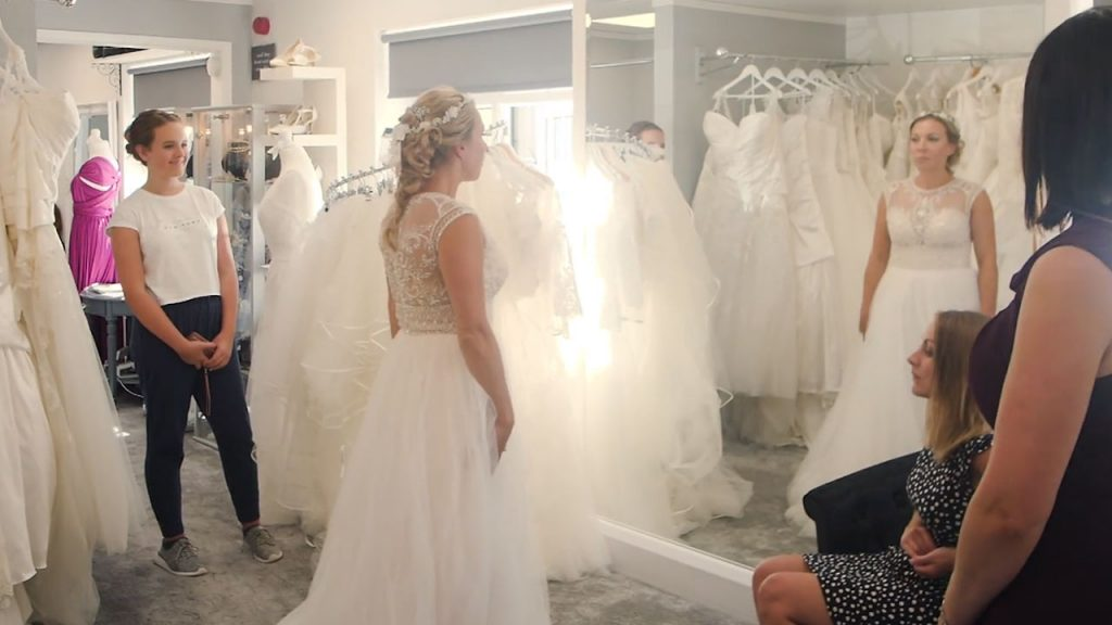 bring someone you trust to your wedding dress appointment
