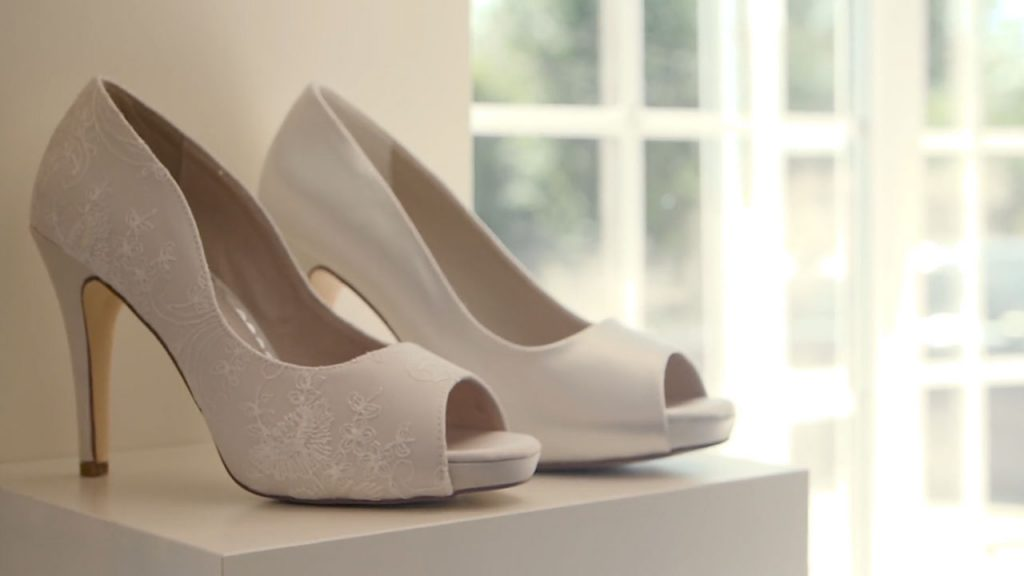 bring your wedding shoes to your bridal appointment