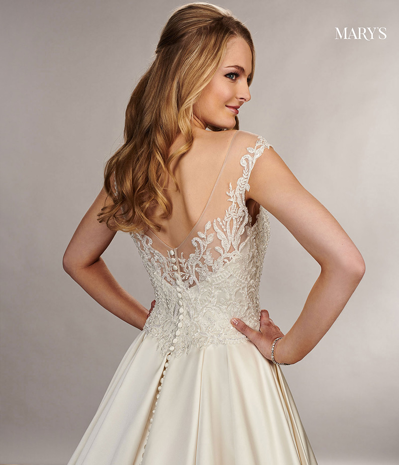 A line sweetheart wedding dress with lace