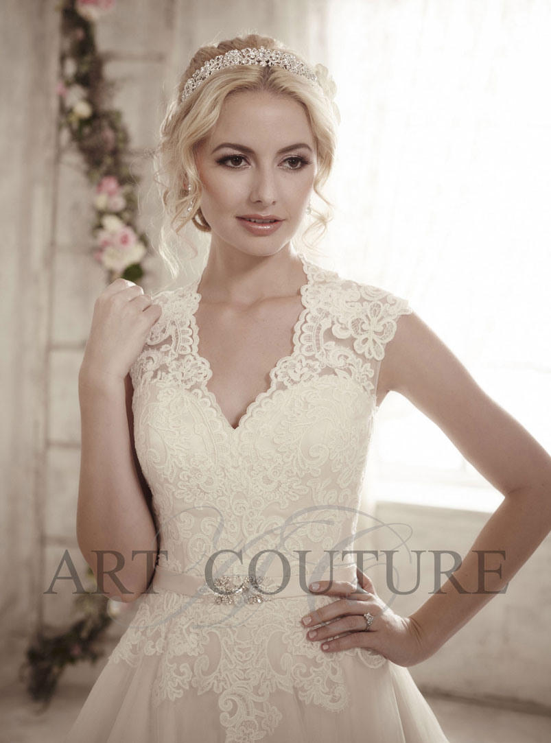 ball gown wedding dress with lace