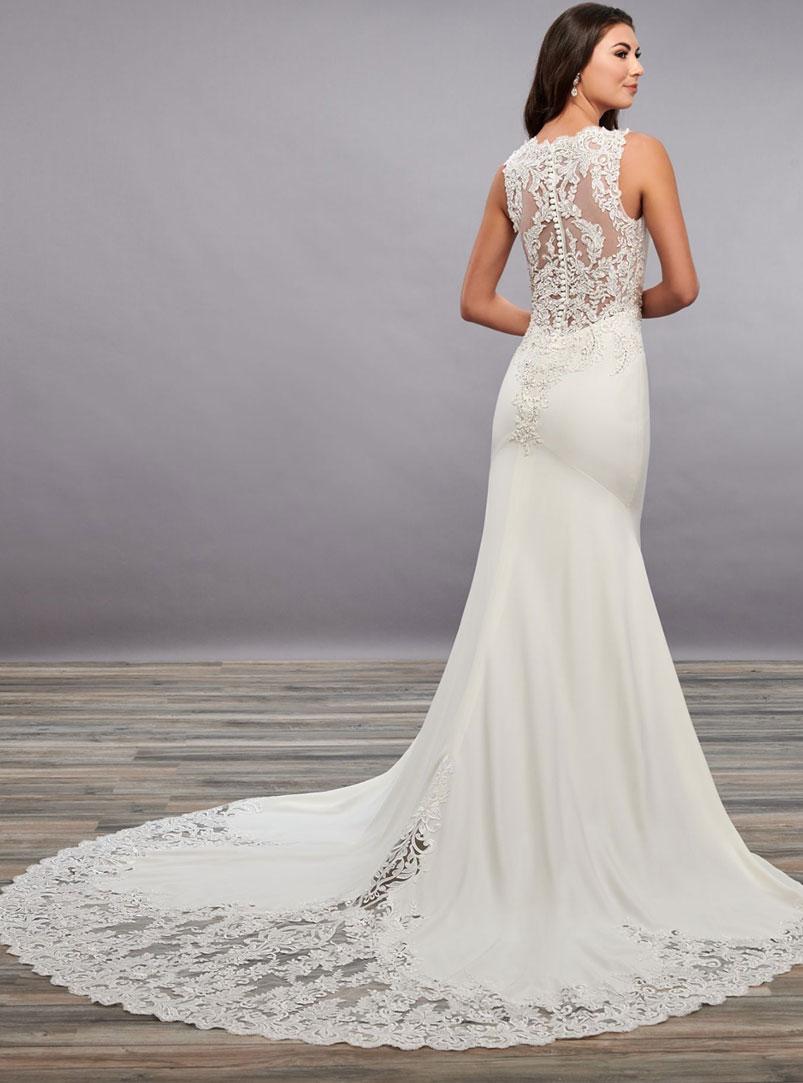 mermaid wedding dress with chapel length train