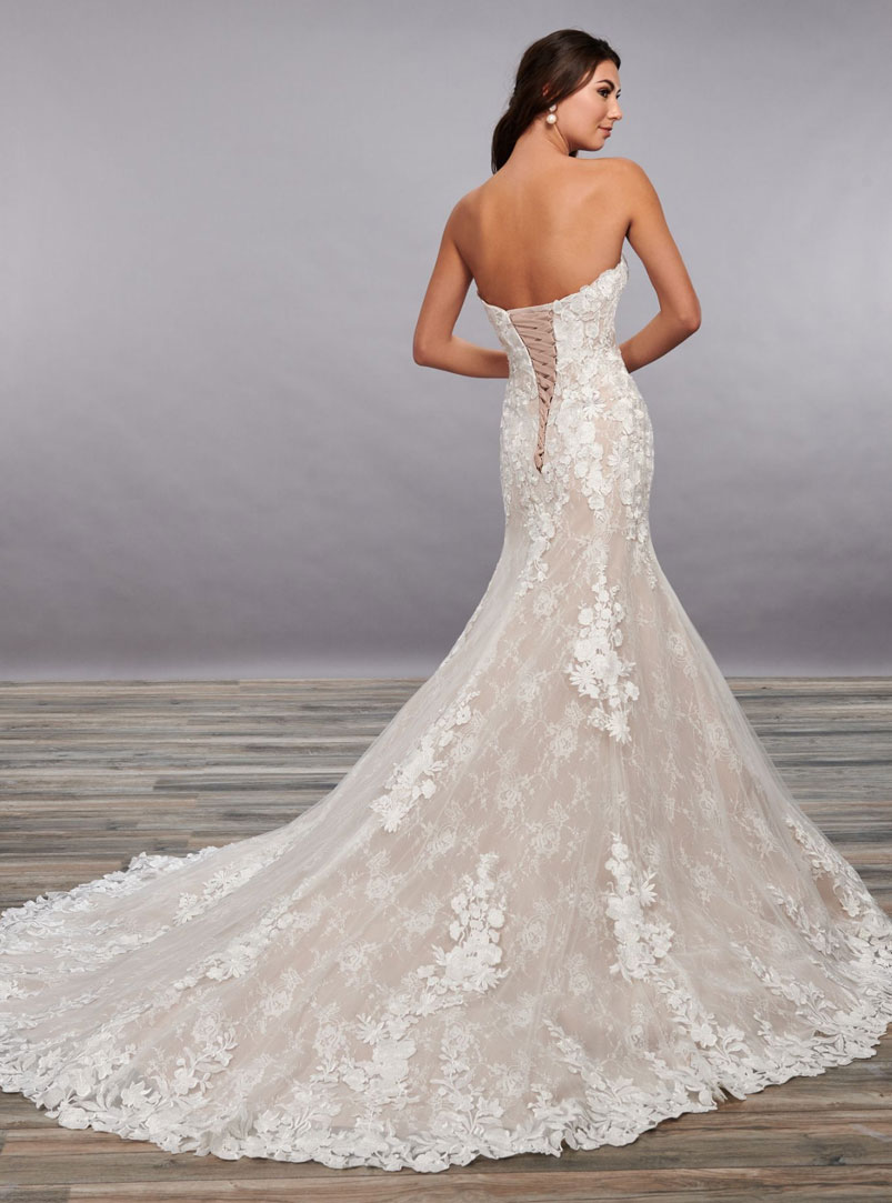 mermaid wedding dress with lace